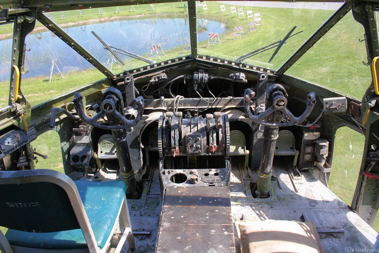 Das Cockpit der C119 hat schon bessere Zeiten gesehen