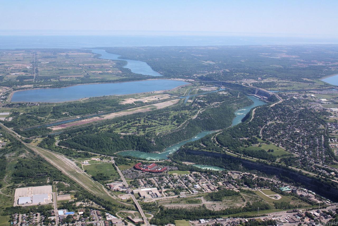 Der Niagara River mündet im Lake Ontario - und die Fälle arbeiten sich langsam immer weiter flussaufwärts
