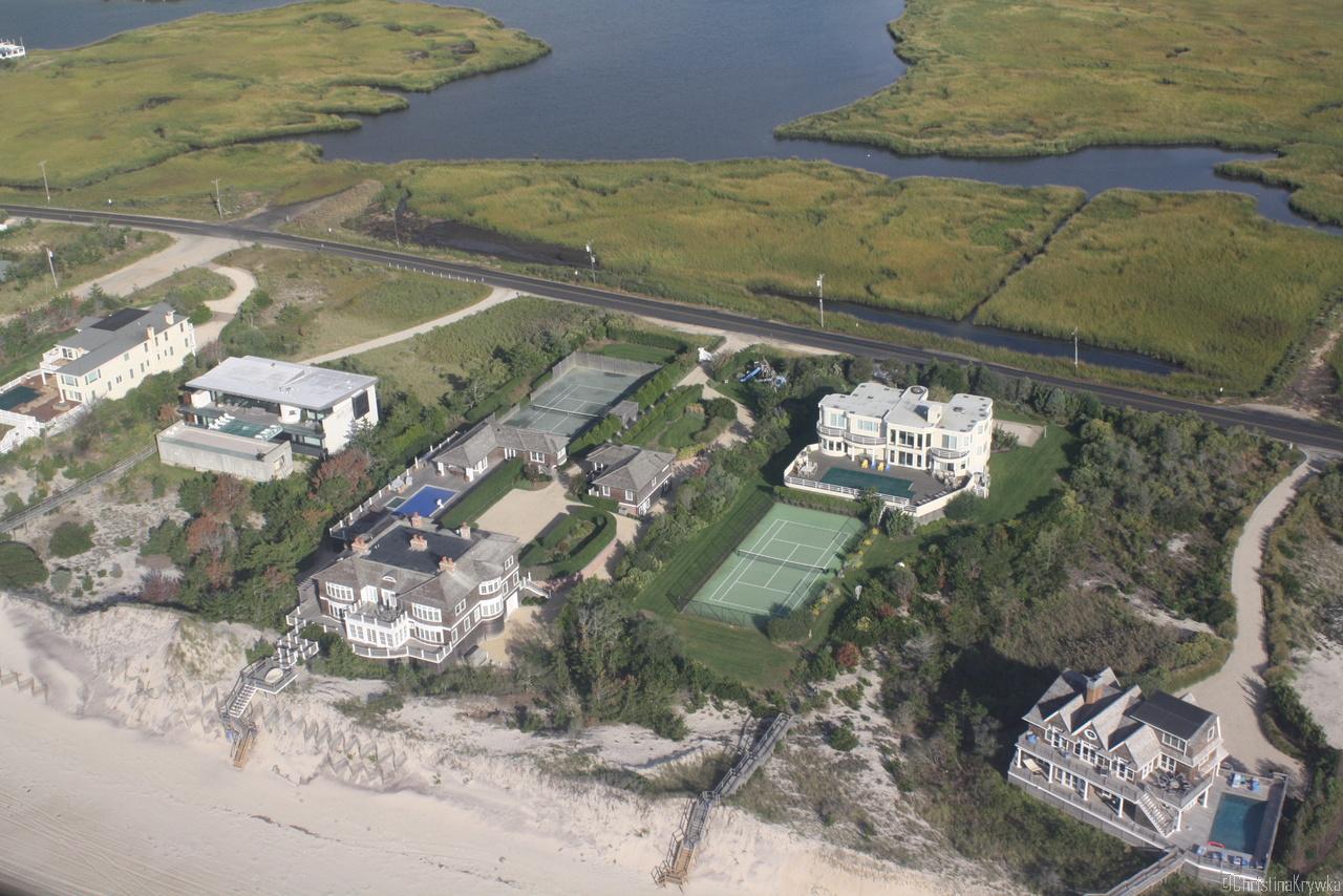 Ein eigener Tennisplatz muss natürlich sein (East Quogue, 83 Dune Rd)